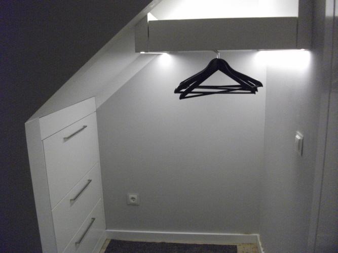 Treppe indirekte beleuchtung beleuchtung treppenhaus led for Garderobe decke