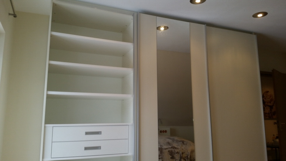 schlafen holzwerken. Black Bedroom Furniture Sets. Home Design Ideas